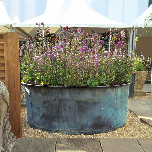The Courtyard Copper Garden Planter - Large
