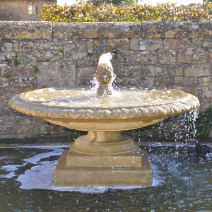 The Large Low Single Tier Fountain