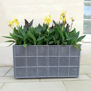 The Estate Lead Garden Planter - Medium