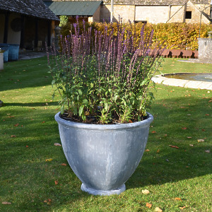 The Townhouse Lead Garden Planter - Medium