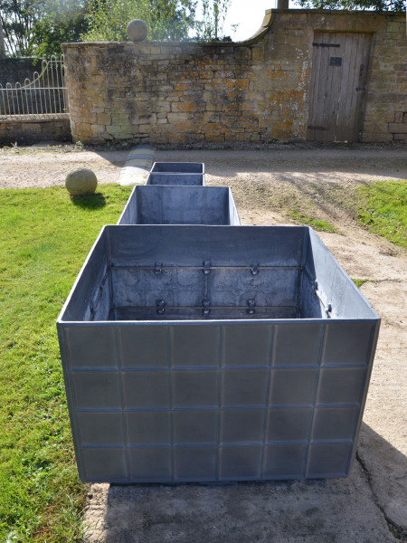 The Estate Lead Garden Planter - Very Large