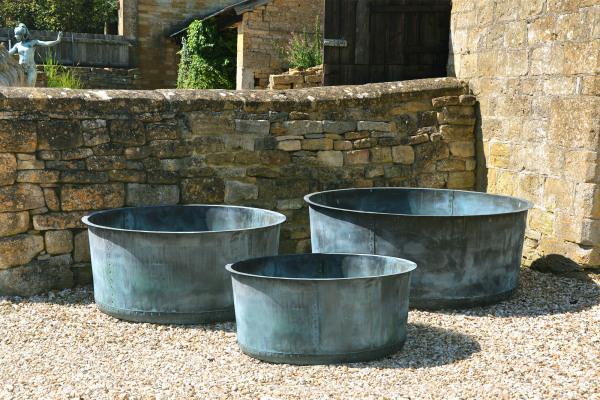 The Courtyard Copper Garden Planter - Medium