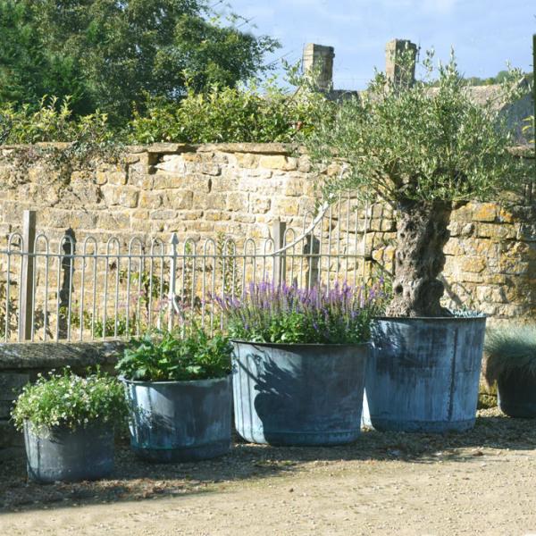 The Circular Copper Garden Planter - Large