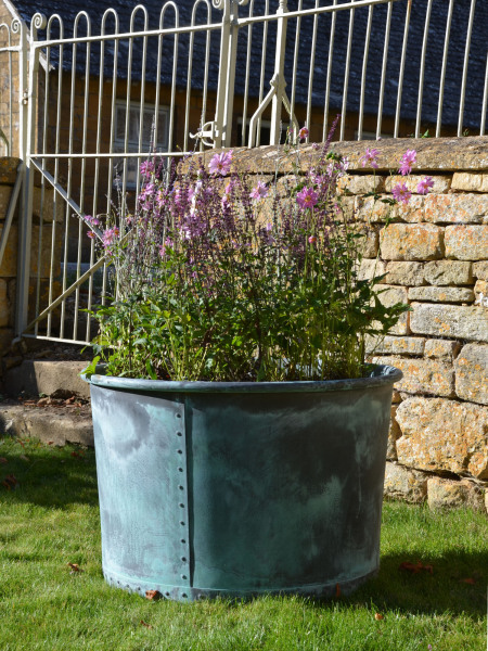 The Circular Copper Garden Planter - Large - Rolled Edge